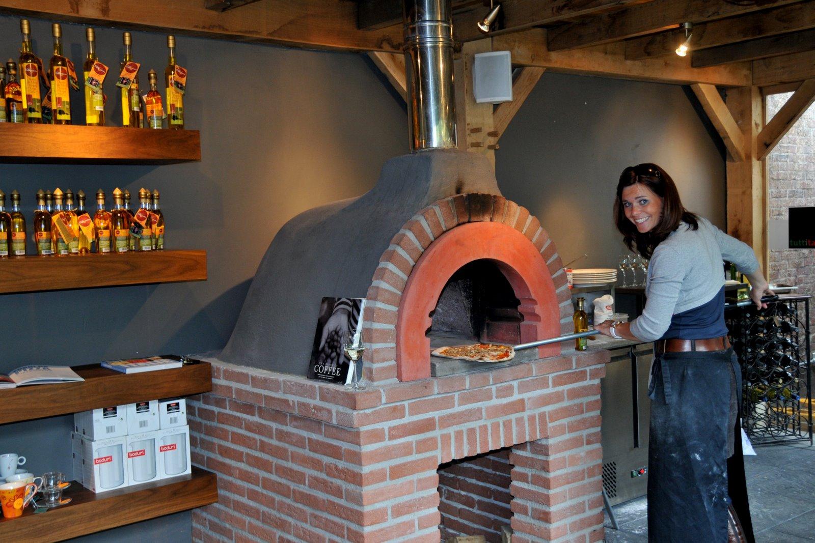 Forno a legna domestico vesuvio per pizza zio ciro forni for Sportello per forno a legna